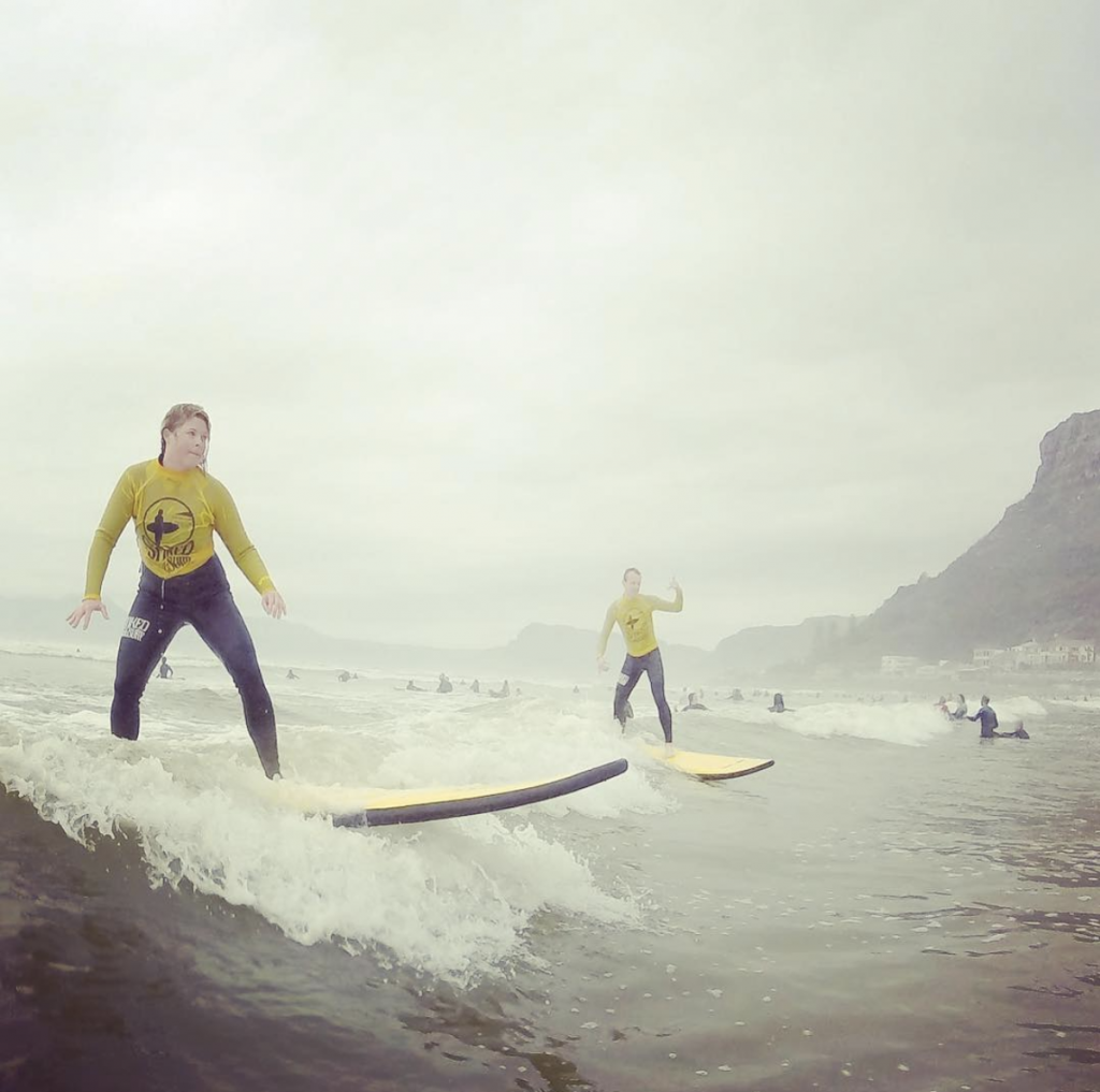 amanda_surfing